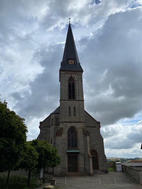 Kath. Kirche St. Rosarius und St. Alban Wattenheim | Pfalz.de